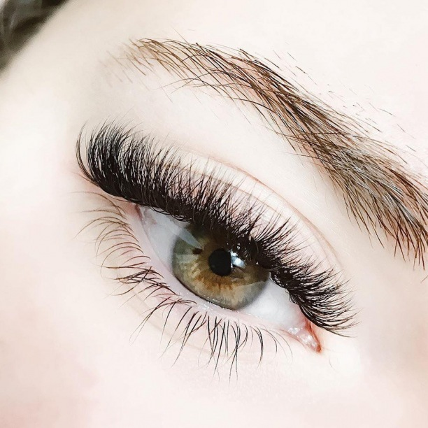 It's hard to not fall in love with BB Studios #OnMadison! Book an appointment today for a full set of eyelash extensions.